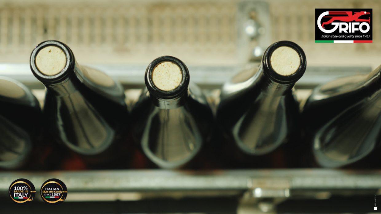 Tappare il vino? Un'arte grazie a Grifo e le sue TAPPATRICI!